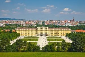 Schonbrunn-Palace-in-Vienna
